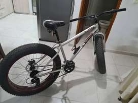 Vendo bicicleta mongoose fat bike