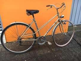 Bicicleta de paseo de la epoca de los 80' para mujer