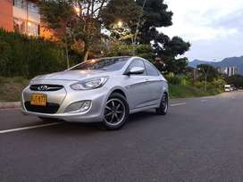 Hyundai i25 modelo 2012