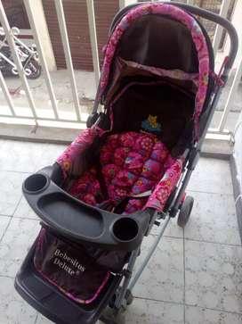 Coche para bebé, marca Bebesitos Deluxe, 2 años de uso