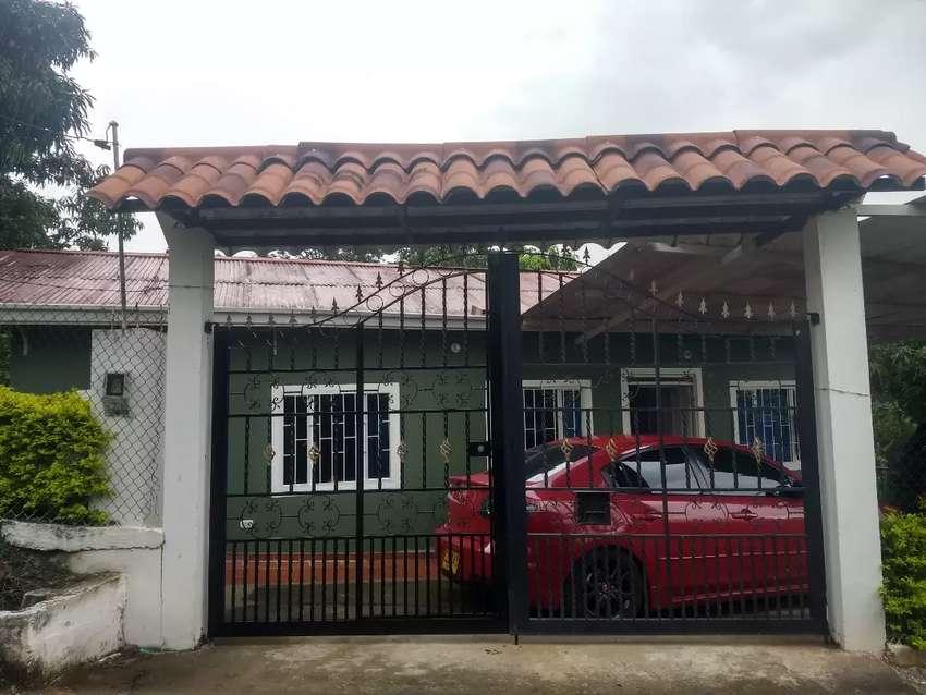 Se vende casa-lote en la mesa vda San Andres 0