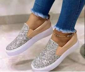 Zapatos brillantes Nuevos