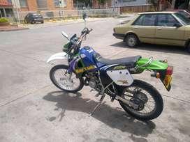 Hermosa Kawasaki KMX 125R