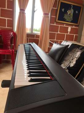 Piano Yamaha Piaggero NP-32 EXCELENTE SONIDO, negociable