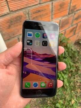 Vendo iphone 8 detalles al privado