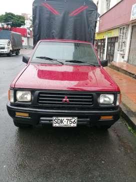 Camioneta Mitsubishi