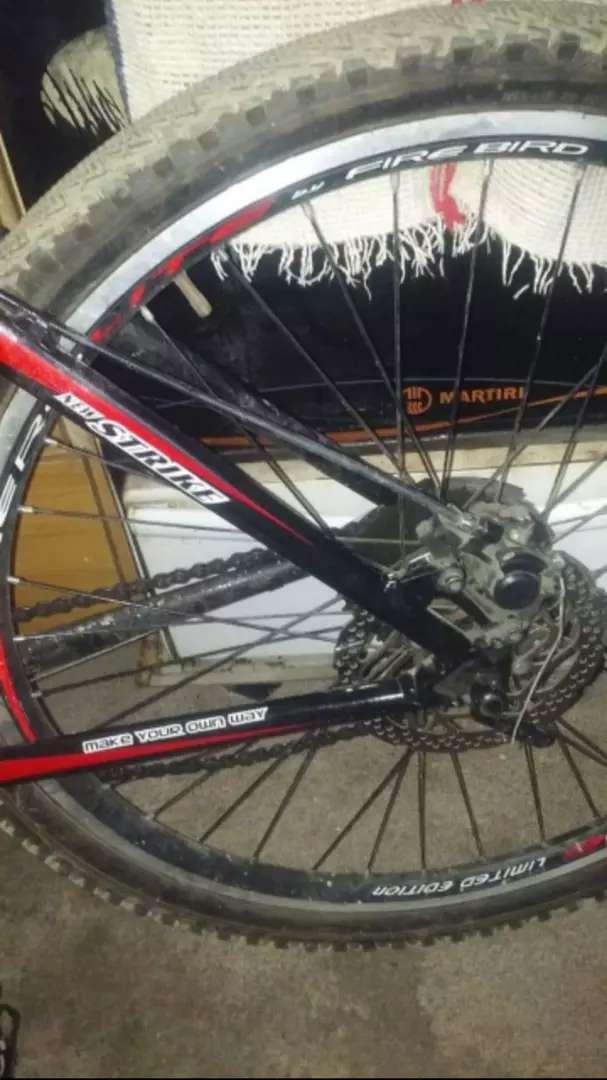 Vendo bicicleta SBK 24 velocidades 0