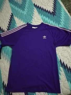 Camiseta Adidas nueva
