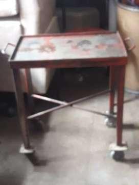 Vendo mesa de hierro usada