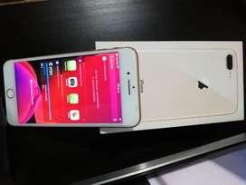 Vendo iphone 8 plu bello estado 10/10 con su caja original ,cargador y libre de icloud a todo operador blanco con dorado