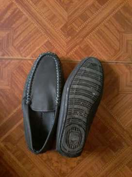 8 pares  de Zapatos niño usados buen estado (paqx 8 pares)