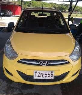 Vendo Taxi Hyundai i10 Modelo 2014, gas y gasolina, aire acondicionado, radio taxi aeropuerto.
