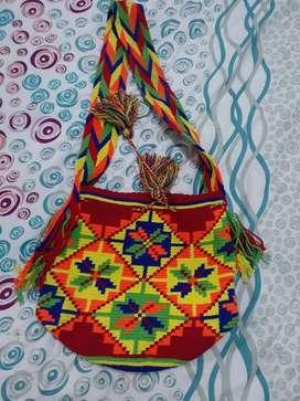 Vendo hermosa mochila wayu $150.000