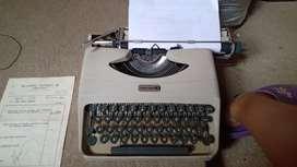 Máquina de escribir año 1964