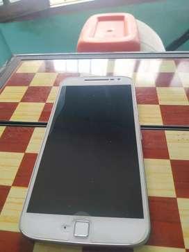 Vendo Motorola g 4 plus versión 32 GB 2 ram en buen estado