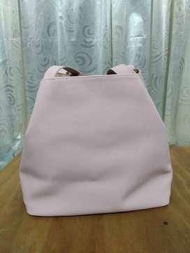 Bolso de cuero rosado NEGOCIABLE
