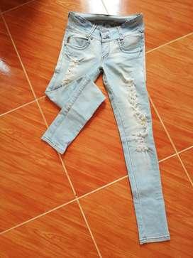 Jeans Azul Claro T. 6-8 Perfecto Estado