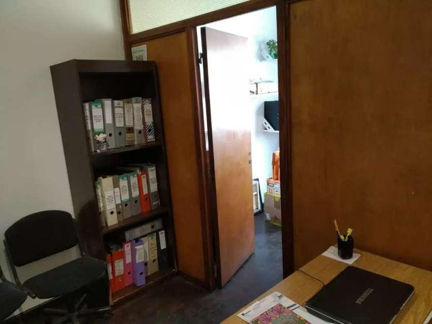 Oficina colon 184 2 piso of 7 y 6