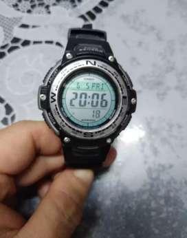 Reloj Casio con brujula