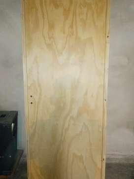 Vendo puerta de placa nueva a 1200