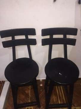 Sillas de bar de madera atornillada