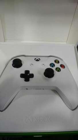 Control Xbox One S Usado