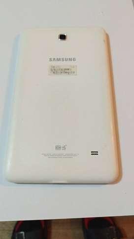 Vendo 2 tablets Samsung Tab 4 (8 memoria)moria)