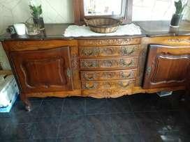 Antiguo mueble aparador