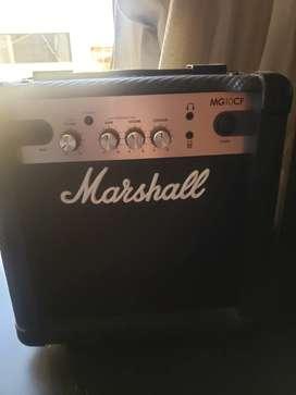 Amplificador marshall MG10CF 10 w