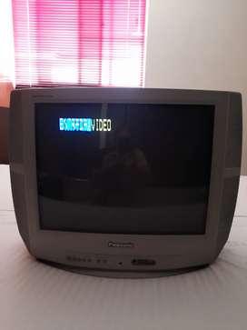 "TV Panasonic 21"" de cola"