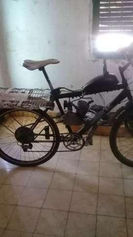 Bici moto, motor recién hecho. Se puede sacar la parrilla si no le gusta