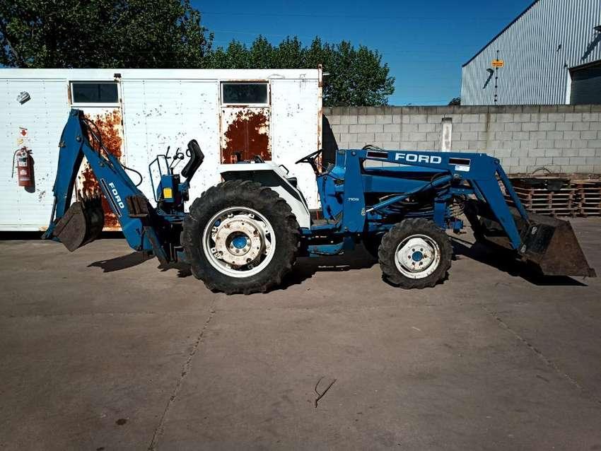 Tractor con Pala Y Retro 0