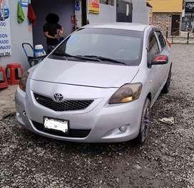 Vendo Toyota Yaris 2009 1.3 / caja mecánico