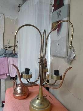 Lampara  y jarra de cobre
