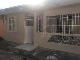 Venta de Casa en Sauces Remodelada, cerca del nuevo Puente de Samborondon, Norte de Guayaquil