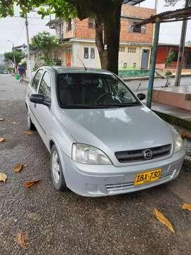 Se vende vehículo en buen estado