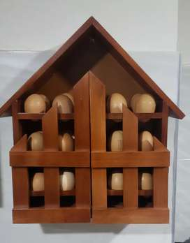 Porta huevos en madera