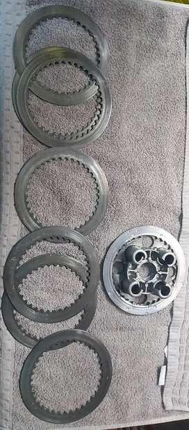 Separadores y tapa clutch DR 650