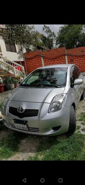 Vendo Yaris Toyota