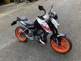 Vendo espectacular moto KTM duke 200
