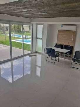 EN VENTA! Importante residencia premium estilo contemporáneo a estrenar en Country YB