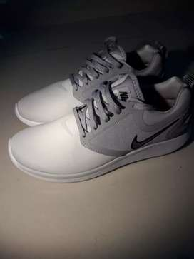 Zapatos Nike Lunarsolo NUEVOS