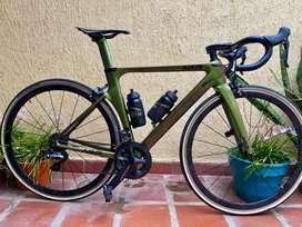 Se vende bici de ruta AGR