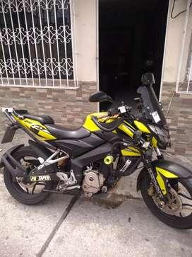 Vendo moto pulsar NS200 Buen estado