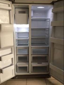 refrigeradora BOCH, SMART LG y lavadora Samsung
