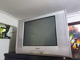"TV 27"" Sony plano + control"