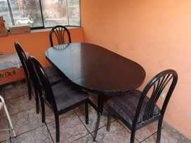 Juego de comedor de marca Comodoy de fierro estructura fuerte  con 6 sillas