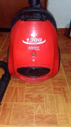 Aspiradora LG 1600W VC2216R