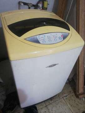 Se vende lavadora marca HACEB ASSENTO LAV AS 380 PARA REPUESTOS