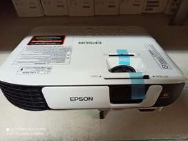 Vendo vídeo beam Epson s39